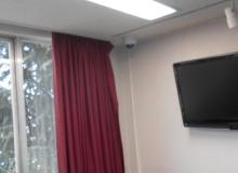 会議室に設置された防犯カメラ