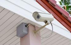 屋外に設置する防犯カメラ