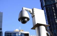 街頭防犯カメラは録画装置一体型