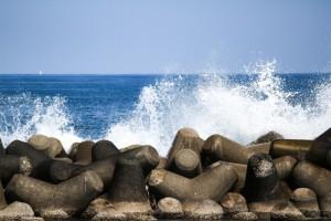 荒れてる海